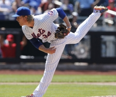 Syndergaard Dazzles With Bat And Glove, Mets Sweep Phillies