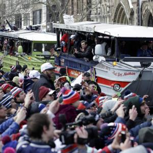 Patriots Draw Wild Cheers From Giddy Fans at Boston Parade