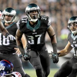 Eagles dominate in 27-0 win over Giants
