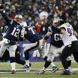 Brady Throws 3 TD Passes, Patriots Beat Ravens 35-31