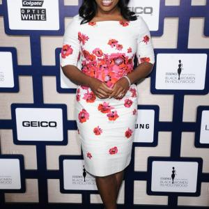 Crazy Legs? Uzo Aduba Runs Boston Marathon For Cancer Funds