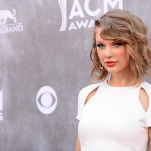 Taylor Swift Gives $50,000 In Song Proceeds to NYC Schools