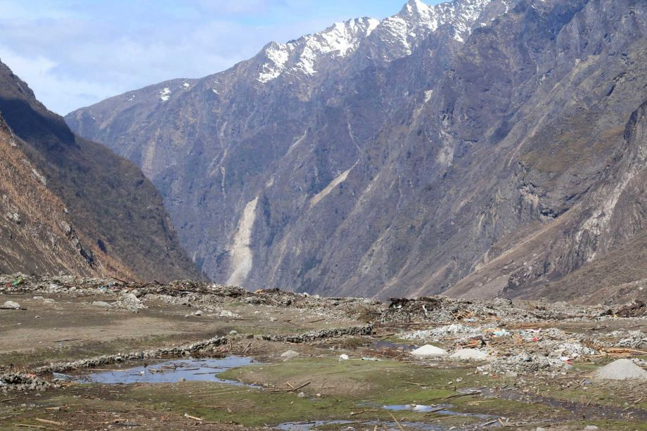 60 bodies recovered in nepal valley hi